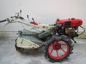 農用トラクタ-