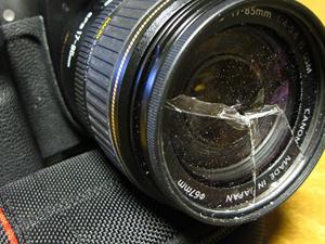 カメラ レンズ 割れ