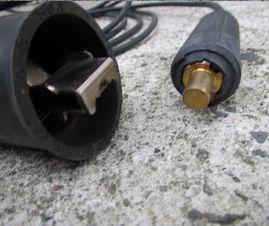 ケーブル 接続部分