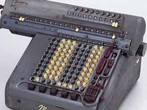 機械式計算機 錆び付きや汚れ