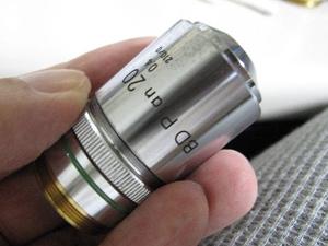 顕微鏡レンズ 細部損傷
