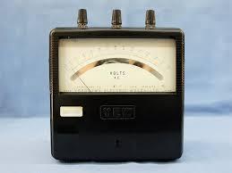 電圧測定器 メーター