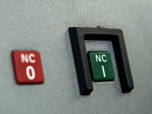 CNCフライス盤 電源