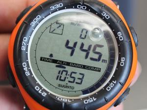 登山用時計 メーカー