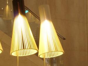 4210フロアランプ 点灯
