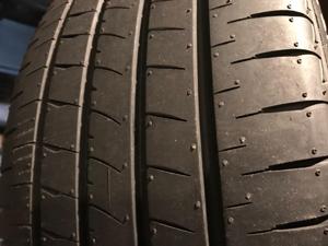 タイヤの溝の間 汚れ
