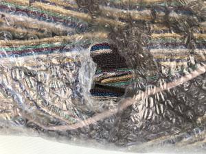 プチプチ 破損部分 完全に補修して 梱包