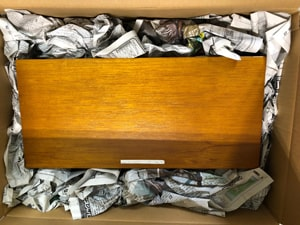 商品 新聞を丸めたもの 固定