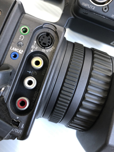 業務用ビデオカメラ 出入力端子