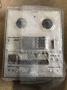 オープンリールデッキ 梱包 ボタン部分