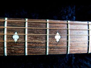 アコースティックギター フレット