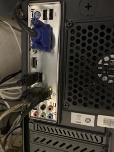 パソコンクリーニング 電源を切って ケーブルを外して