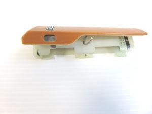 電池BOXカバー フック部分 不良
