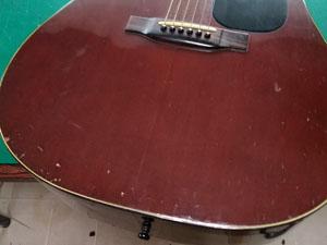 アコースティックギター 傷