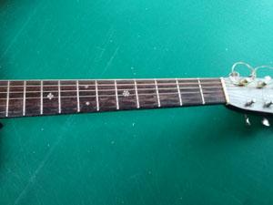 アコースティックギター ネック スレ 劣化