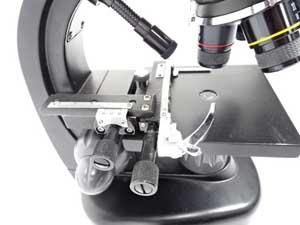 顕微鏡 ステージ 歪み